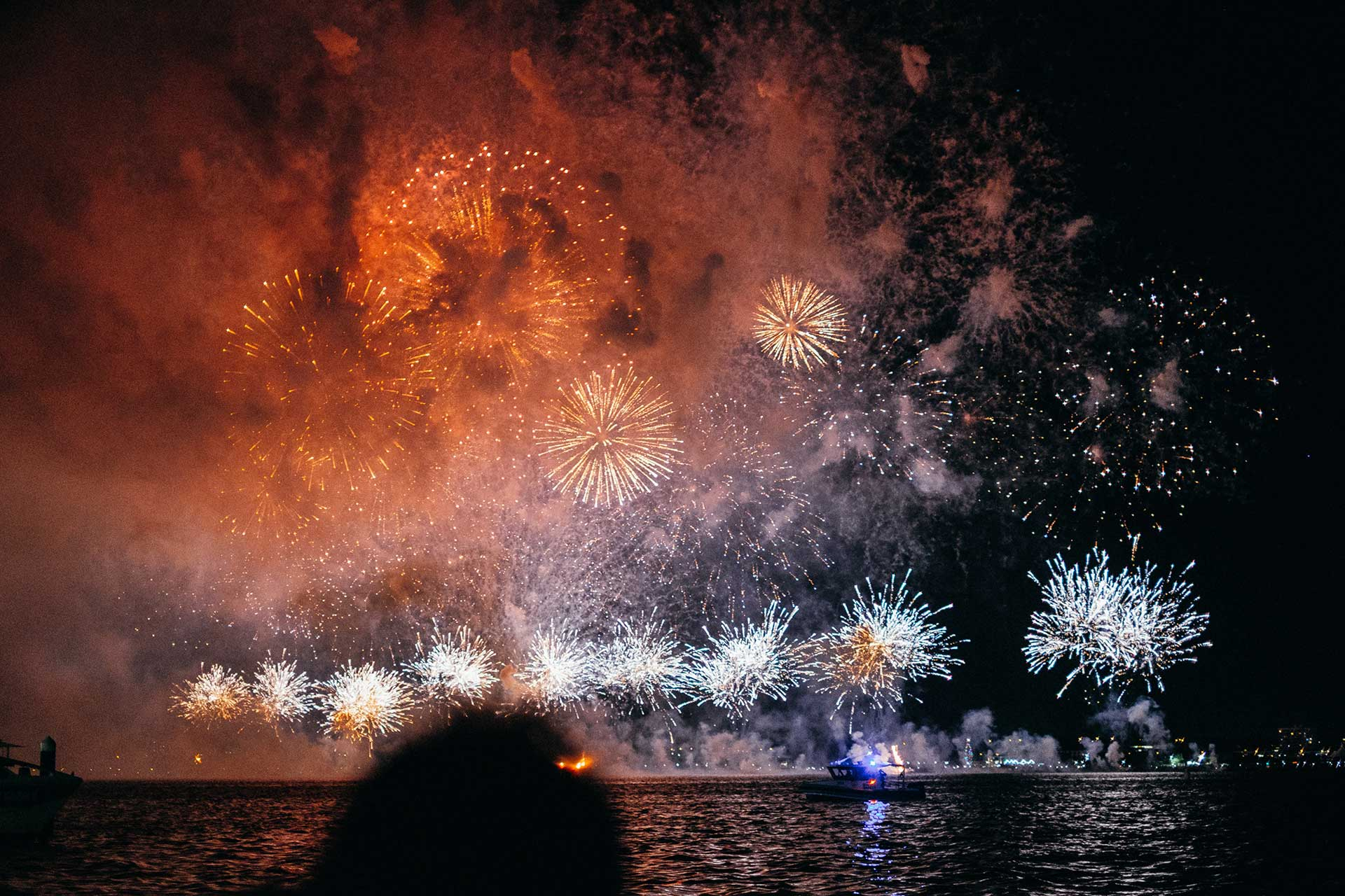 Australia-Day-Fireworks-Boat-Hire-MyHarbour